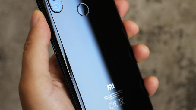 Возможности подключения и срок службы батареи Xiaomi Mi8