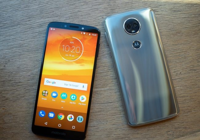 Дизайн Motorola Moto E5 Plus