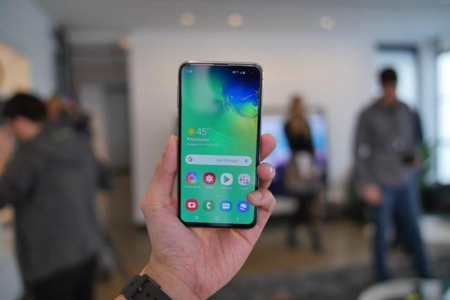 Аппаратное обеспечение и производительность Samsung Galaxy S10e